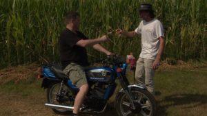 Op de Zundapp door het maisveld